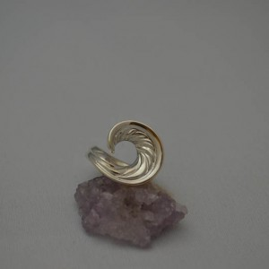 1. Wave Ring